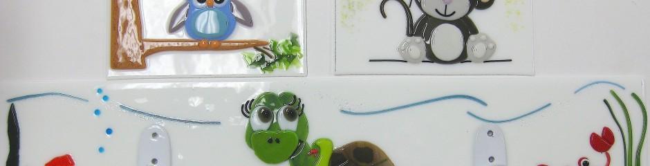 Workshop sample | I342 | Fused fun for the nursery: Decorative coat hooks