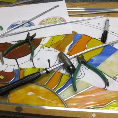 Course sample, I374 | Intermediate stained and fused glass: Bigger IS better
